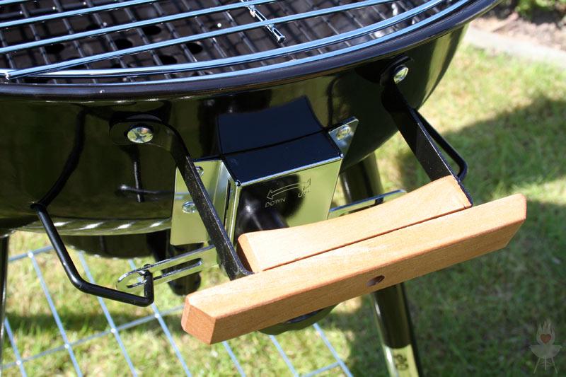 grill test der xl kugelgrill von tchibo feuer glut und. Black Bedroom Furniture Sets. Home Design Ideas