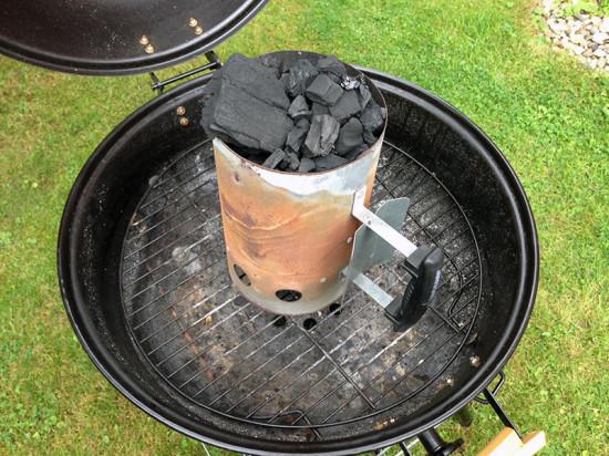 Bacon Bomb - Kohle vorbereiten