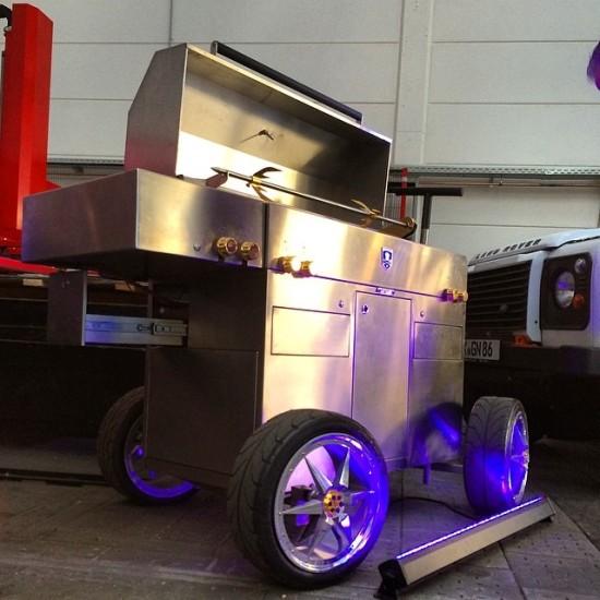 Brennwagen-Grill