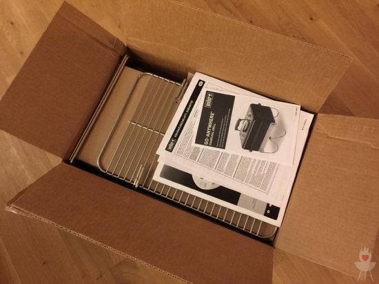 Weber Go-Anywhere Verpackung geöffnet