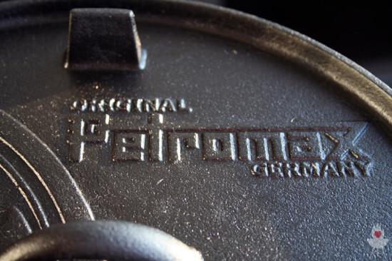 Petromax Feuertopf Schriftzug