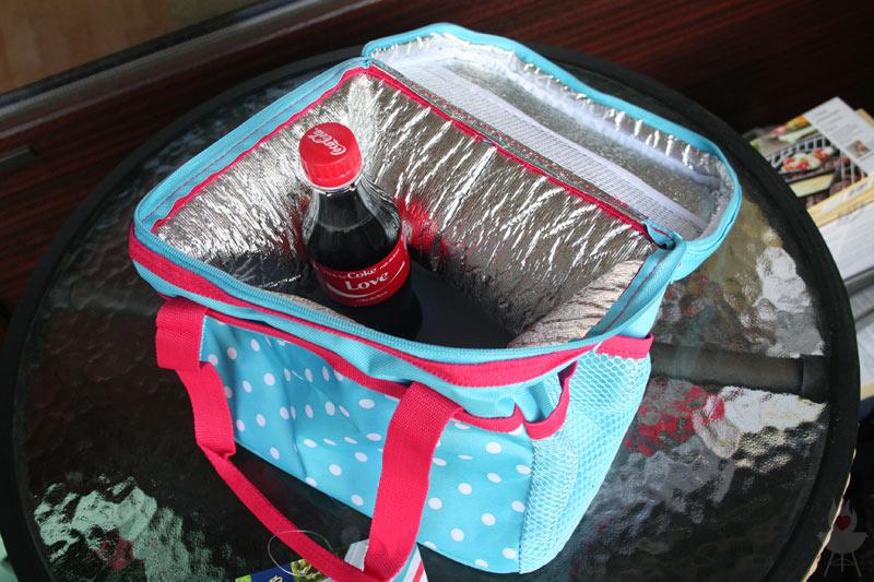 Mini-Kühltasche Tchibo Grillzubehör 2015 mit Getränk