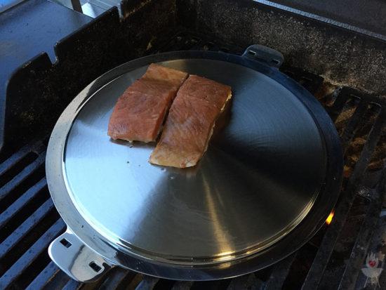 Edelstahl-Plancha von SteakChamp Lachs