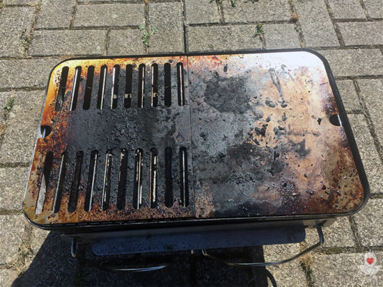 Edelstahl-Grillrost Weber Go-Anywhere nach Gebrauch