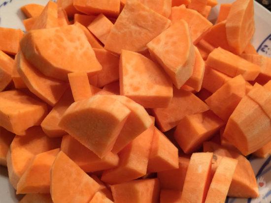 Süßkartoffeln geschnitten
