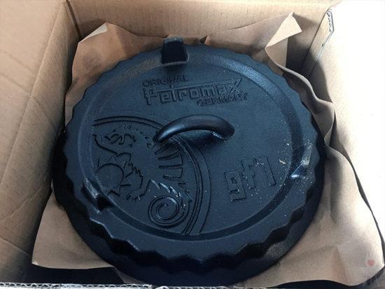 Petromax Gugelhupfform gf1 Blick in die Verpackung
