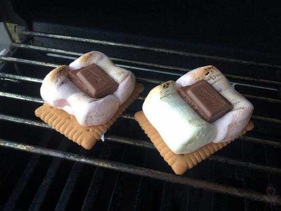 S'mores Rezept Marshmallows mit Schokolade