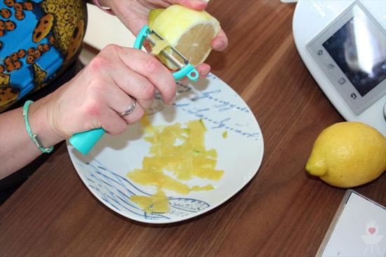 Zitronenlimonade ASA-Zitronenpresse schälen