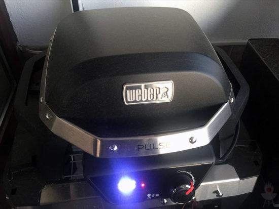 Weber PULSE 1000 - Deckel zu - indirekte Grillen
