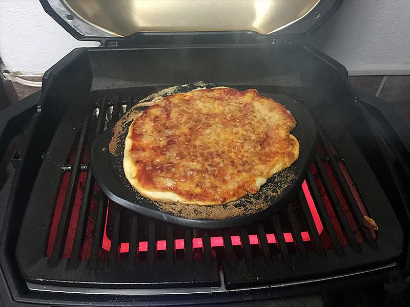 Weber Elektrogrill Pizza Backen : Pizza vom weber pulse u203a feuer glut und herzblut