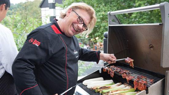 Andreas Rummel grillt