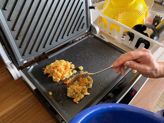 Gastroback Design BBQ Advanced Control Puffer zubereiten
