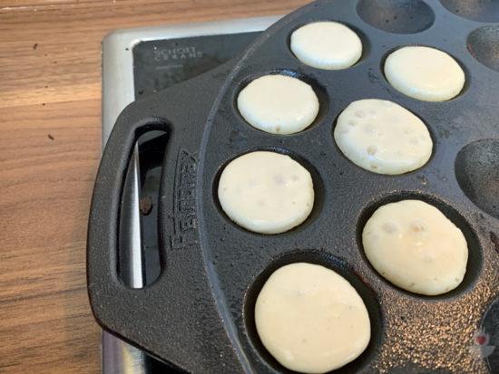 Poffertjes-Rezept ohne Buchweizenmehl und ohne Hefe - Pfanne