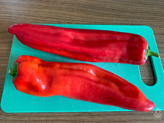 gegrillte Spitzpaprika - rohe paprika